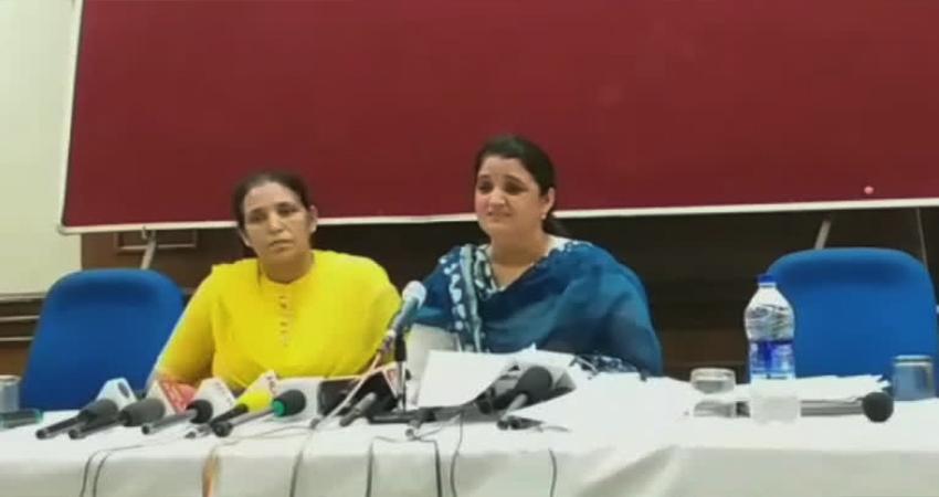 पूर्व मेयर सरिता चौधरी ने पति पर लगाए गंभीर आरोप, BJP के वरिष्ठनेताओं से लगाएंगी गुहार