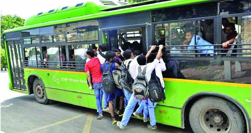 दिल्ली में अब भी 60 प्रतिशत लोग करते हैं बस में सफर, केवल 6.18 करते हैं मेट्रों से यात्रा