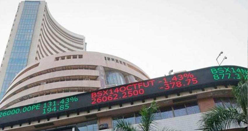 Sensex: शुरुआती कारोबार में सेंसेक्स 400 अंक से अधिक गिरा, निफ्टी भी फिसला
