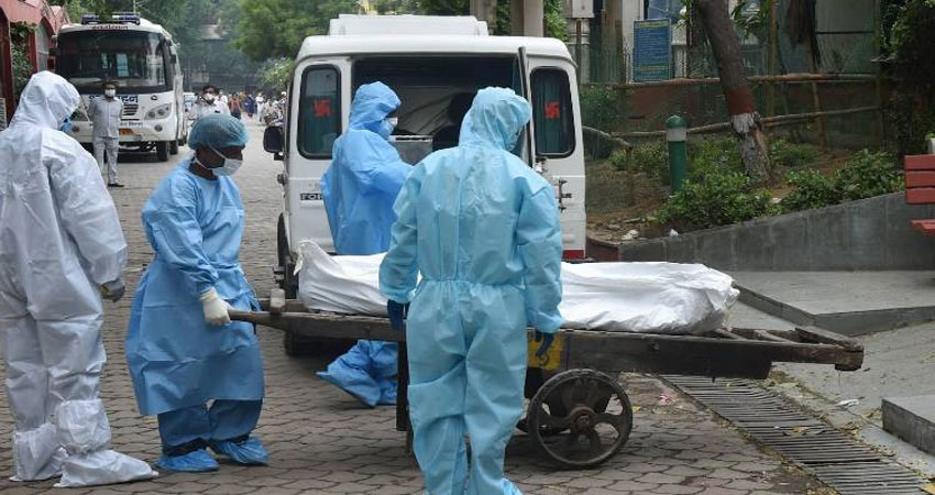 दिल्ली: सरकारी अस्पताल में वेंटिलेटर की अनुपलब्धता ने नवजात की ली जान, भड़के परिजन