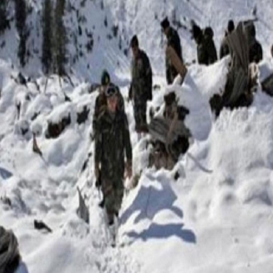 जम्मू-कश्मीर: बांदीपोरा में हुआ हिमस्खलन, सेना के तीन जवान लापता