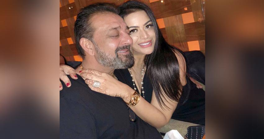 संजय दत्त की बेटी ने खोले दिल के कई राज, कहा- ''मैं डैड जितनी ही बदमाश हूं''