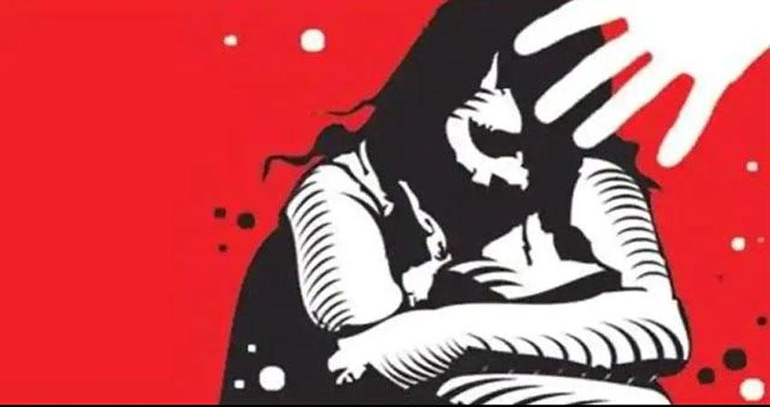 दिल्ली फिर हुई शर्मसार, जूस में नशीली दवा मिलाकर युवती से कार में किया गैंगरेप