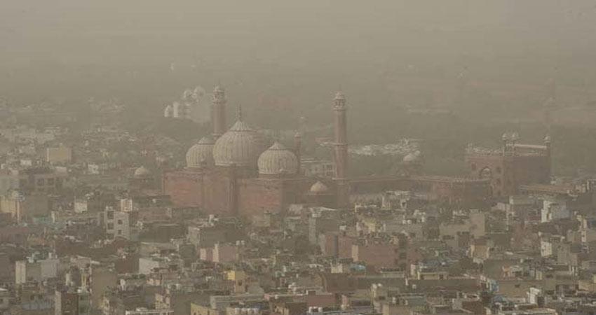 फिर बिगड़े राजधानी के हालात, हवा में घुला जहर, सांस लेने में हो रही परेशानी