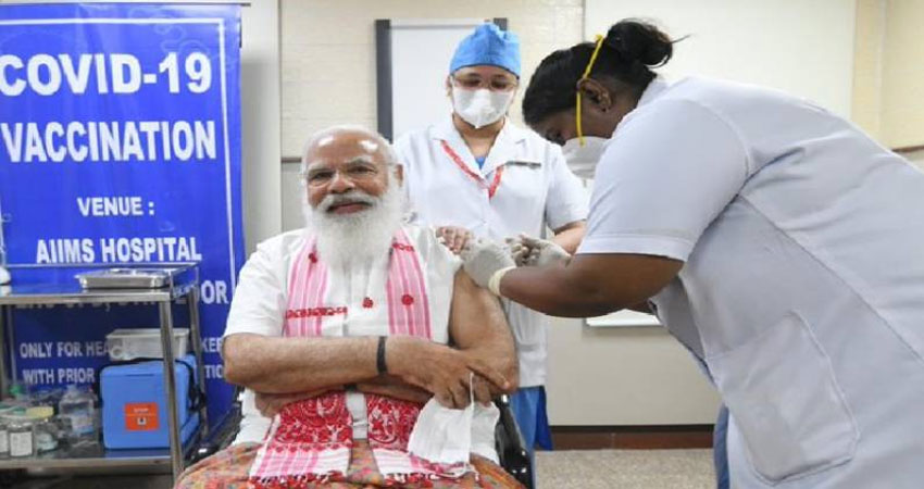 इधर PM मोदी को लगी वैक्सीन उधर सोशल मीडिया पर दिखा Side Effects, देखें ये फनी मीम्स
