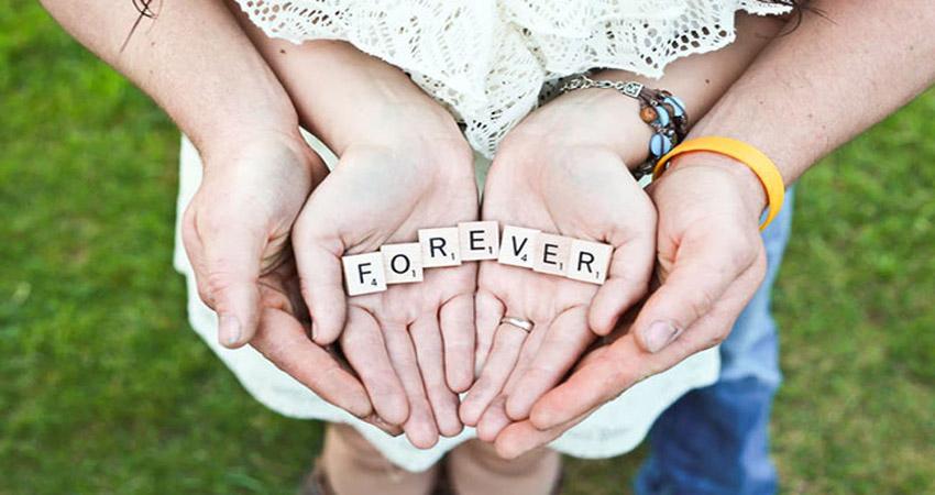 Promise Day: ये गाने अपने पार्टनर को Dedicate कर, करें प्यार वाला वादा!
