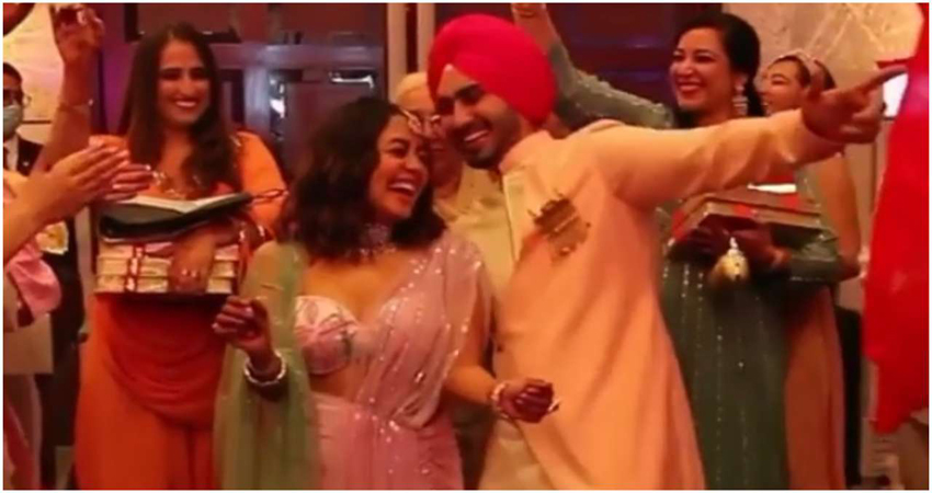 नेहा कक्कड़ और रोहनप्रीत सिंह के रोके का Video आया सामने