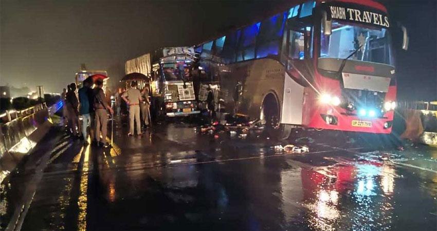 बाराबंकी में सड़क हादसे में 18 लोगों की मौत, PM मोदी ने जताया शोक