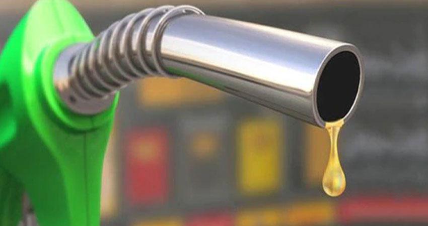 पेट्रोल डीजल की कीमत में लगी आग, जेब पर पड़ रहा भारी असर