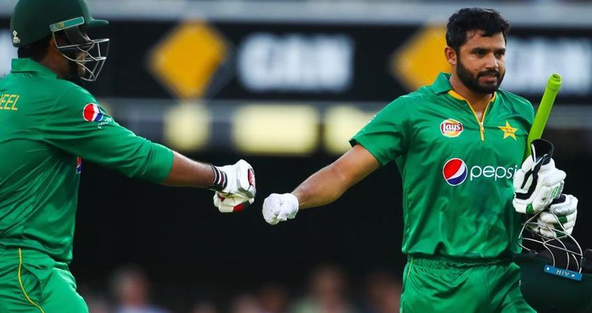 सरफराज पर गिरी खराब प्रदर्शन की गाज, अजहर संभालेंगे टेस्ट टीम की कमान