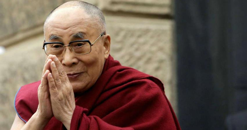 दलाई लामा ने महात्मा गांधी और जिन्ना वाले बयान पर मांगी माफी ,कही थी ये बड़ी बात