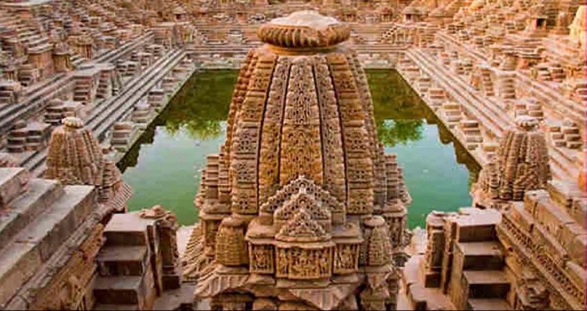 PM मोदी ने शेयर किया गुजरात के सूर्य मंदिर का वीडियो, बारिश में दिख रहा शानदार