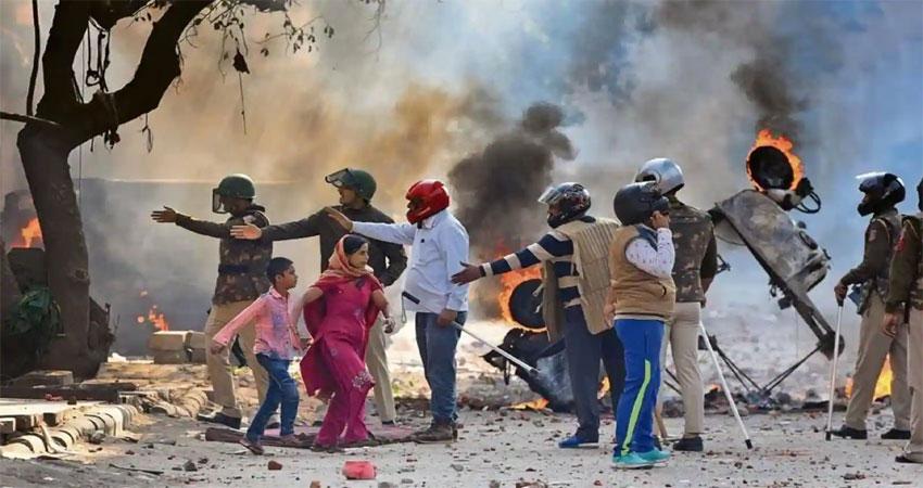 पूर्वी दिल्ली दंगेः अखिर क्यों कठघरे में खड़ी है दिल्ली पुलिस, पढ़िए पूरी रिपोर्ट