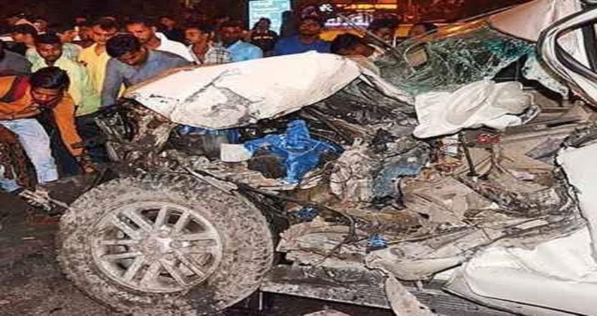 फॉच्र्यूनर कार ने बाइक सवार को मारी टक्कर, एक कीमौत तीन लोग हुए घायल