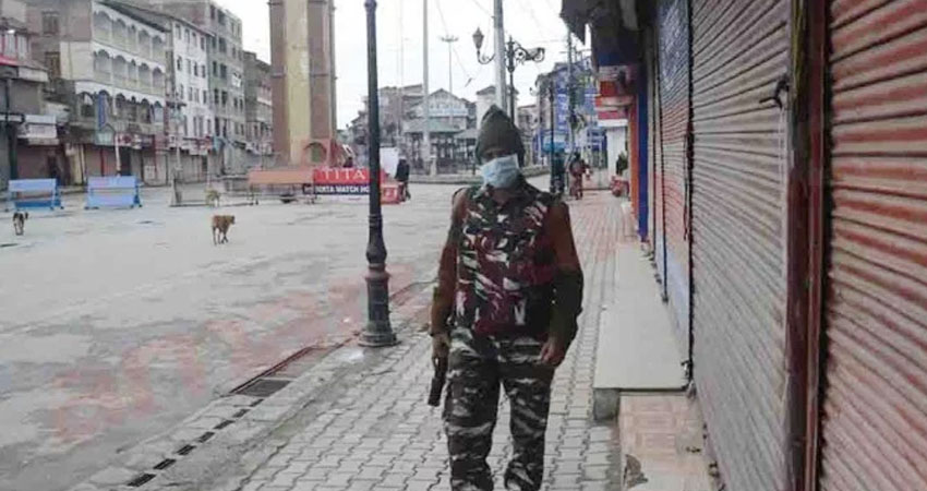 Coronavirus: कश्मीर के मस्जिदों में नमाज पर लगी रोक, घाटी में अबतक 4 संक्रमित मामले
