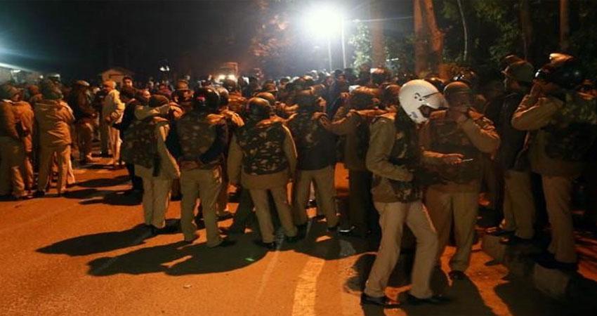 JNU हिंसा में दिल्ली पुलिस को मिली ''क्लिन चिट'', लगे थे ये गंभीर आरोप
