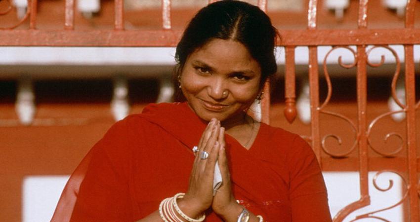 B''day Special: कुछ एेसा था फूलन देवी का चंबल के जंगलों से लेकर राजनीति तक का सफर