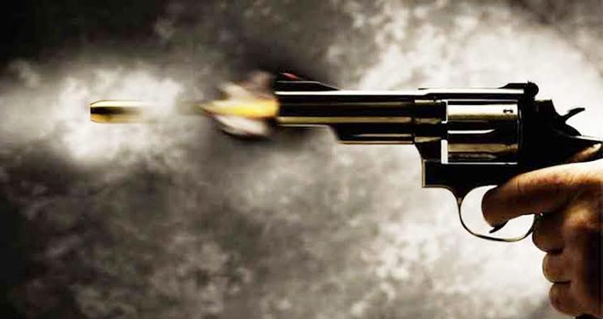 शराब ठेकेदार के कर्मचारियों पर चलाई गोली, 16 लाख लूटे