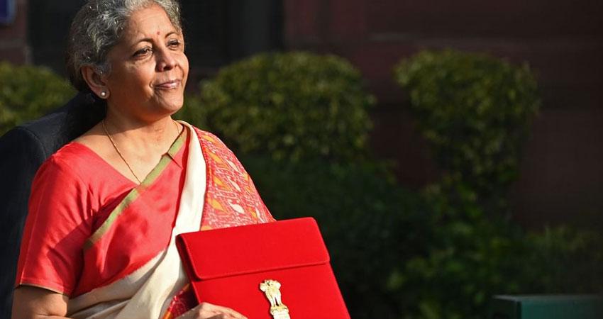 वित्त मंत्री ने पेश किया ऐतिहासिक बजट, जानिए इस बार क्या- क्या हुआ पहली बार