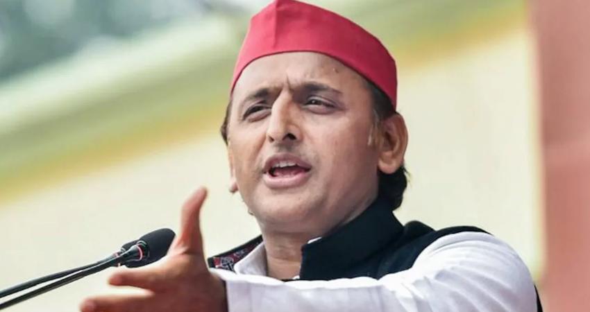 अखिलेश ने कहा, जनता की BJP से नाराजगी देखकर लगता है SP जीतेगी 400 सीटें
