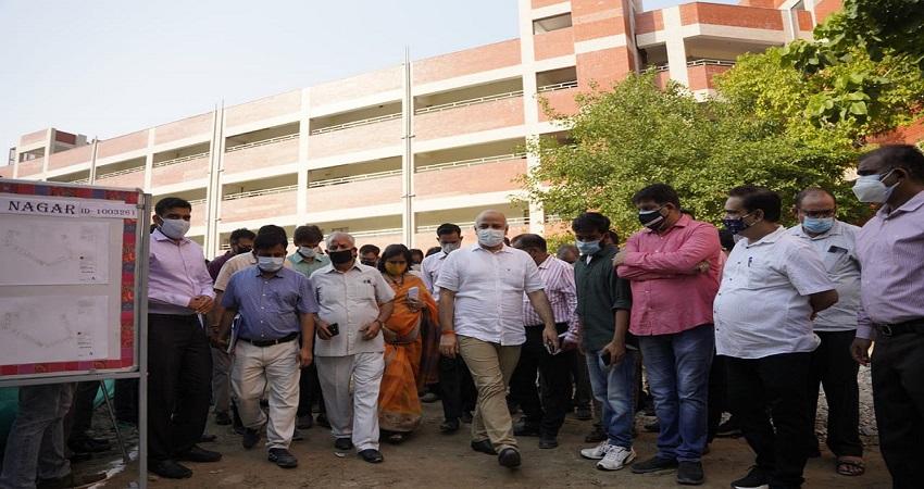 दिल्ली: स्कूल निर्माण कार्य में तेजी लाने के लिए सिसोदिया के ''ताबड़तोड़'' निरीक्षण