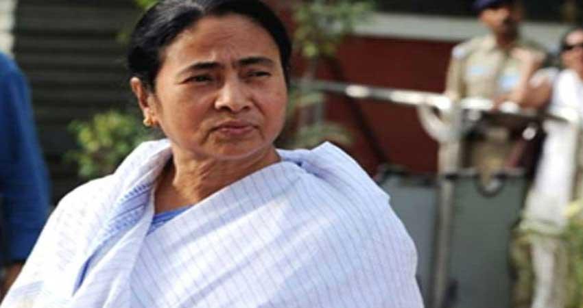 कश्मीर आतंकी हमले के बाद ममता बनर्जी ने लिया ये बड़ा फैसला