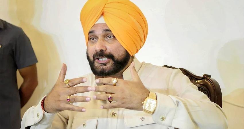 किसानों के समर्थन में उतरे नवजोत सिंह सिद्धू, ट्वीट कर कहा- अस्तित्व पर हमला बर्दाश्त नहीं