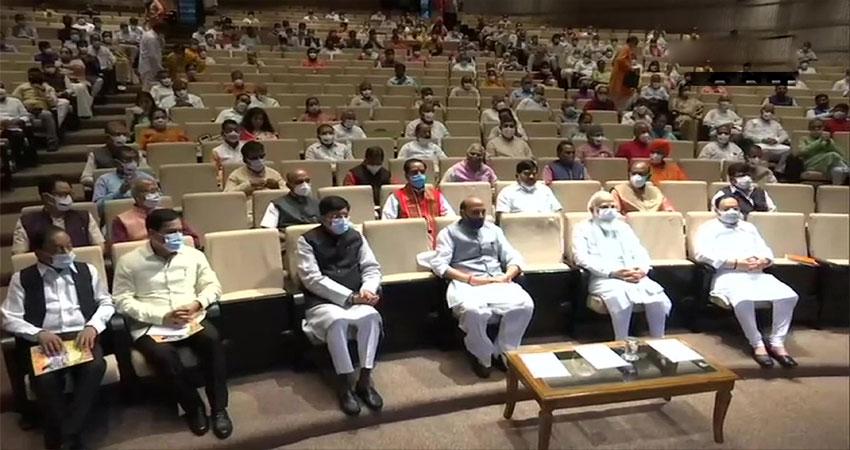 BJP सांसदों को PM मोदी का संदेश- जनता के सामने विपक्ष को करें एक्सपोज