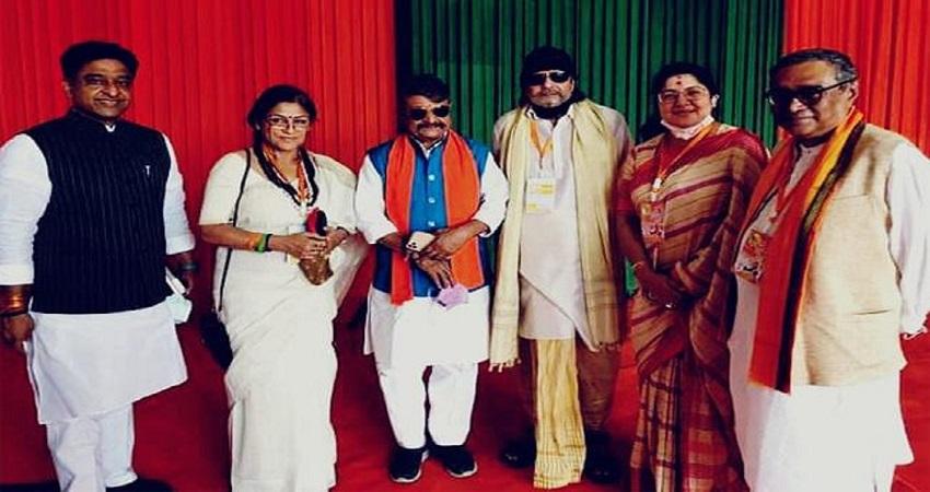 कोलकाता के ब्रिगेड परेड ग्राउंड में मिथुन चक्रवर्ती ने ली BJP की सदस्यता