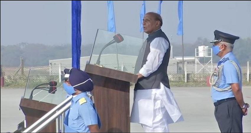 LAC विवाद के बीच बोले रक्षा मंत्री- 'संघर्ष नहीं, शांति चाहते हैं, आत्मसम्मान का नुकसान बर्दाश्त नही