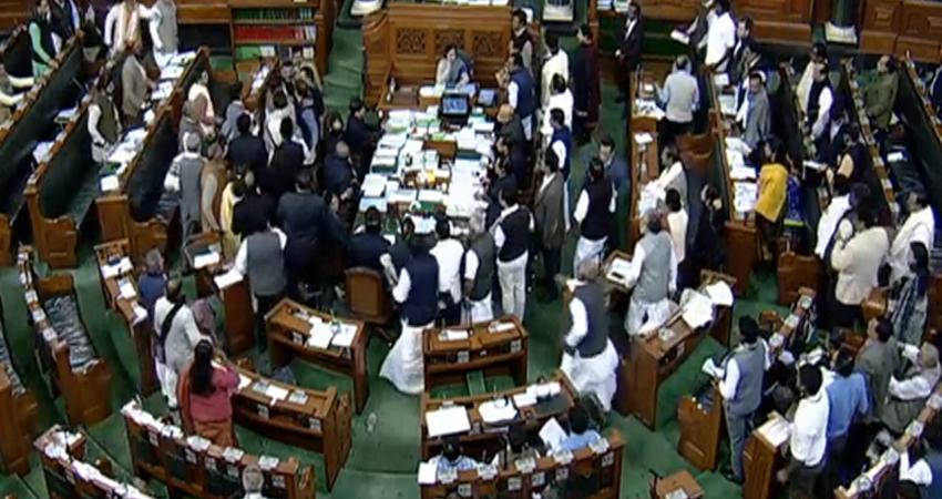 राहुल गांधी के बयान पर संसद में धक्का- मुक्की, मंत्री की तरफ दौड़ पड़े कांग्रेसी सांसद