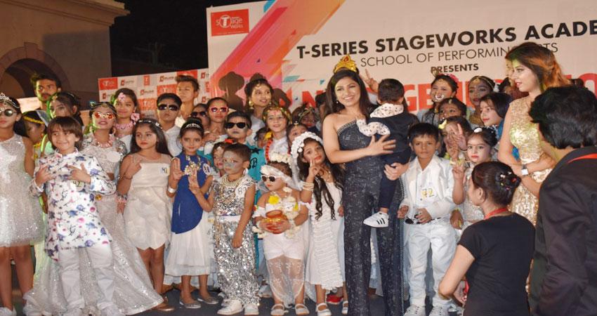 नोएडा में आयोजित हुआ बच्चों के लिए फैशन शो, तुलसी कुमार सहित इन कलाकारों ने की शिरकत