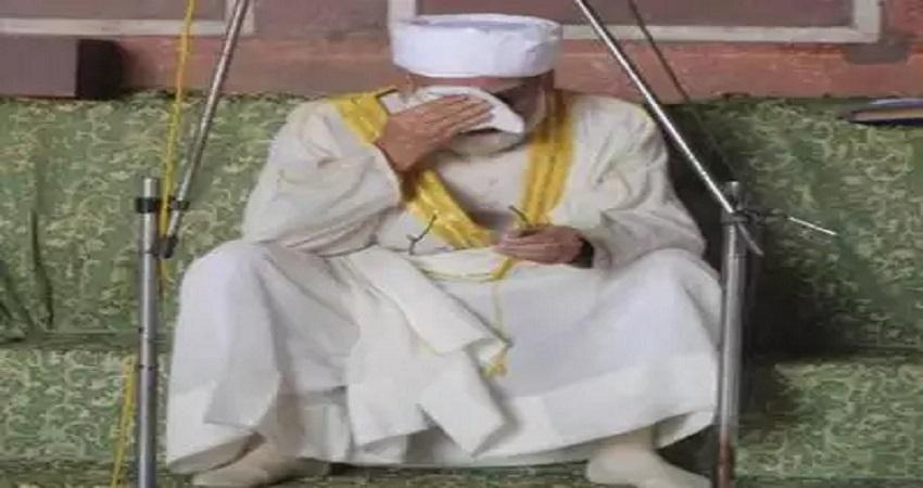 रमजान के आखिरी जुमे में अलविदा की नमाज पर रो पड़े शाही इमाम