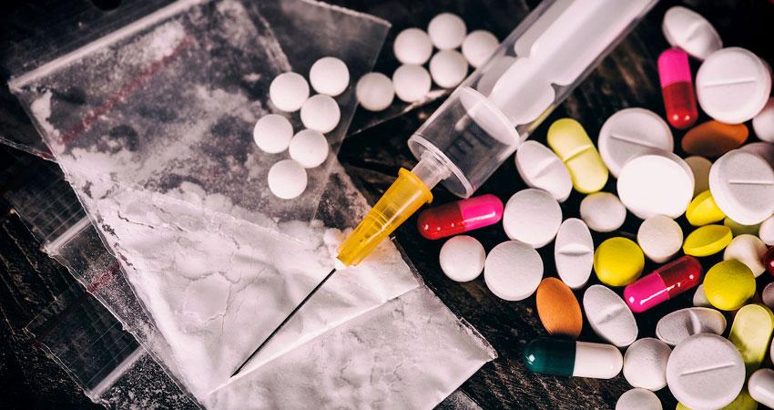 नशे के धंधे में महिलाएं, यह बनता जा रहा है 'फैमिली बिजनैस'