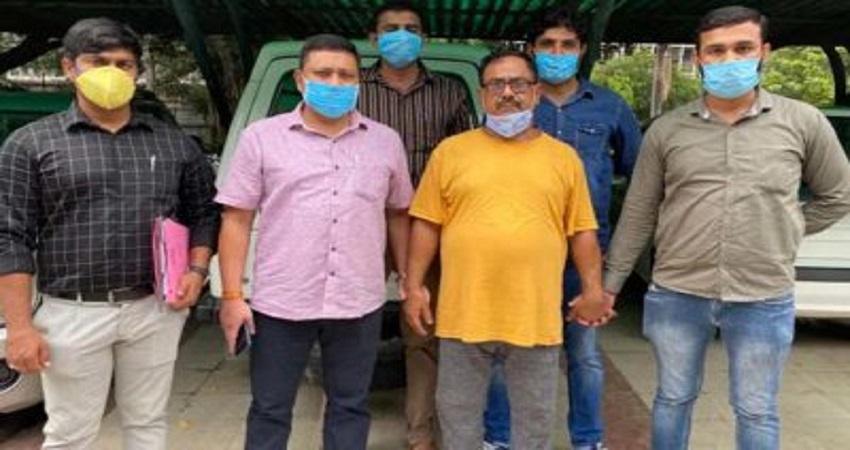दिल्ली पुलिस के हाथ लगा सीरियल किलर डॉक्टर, 50 हत्याओं की बात कबूली