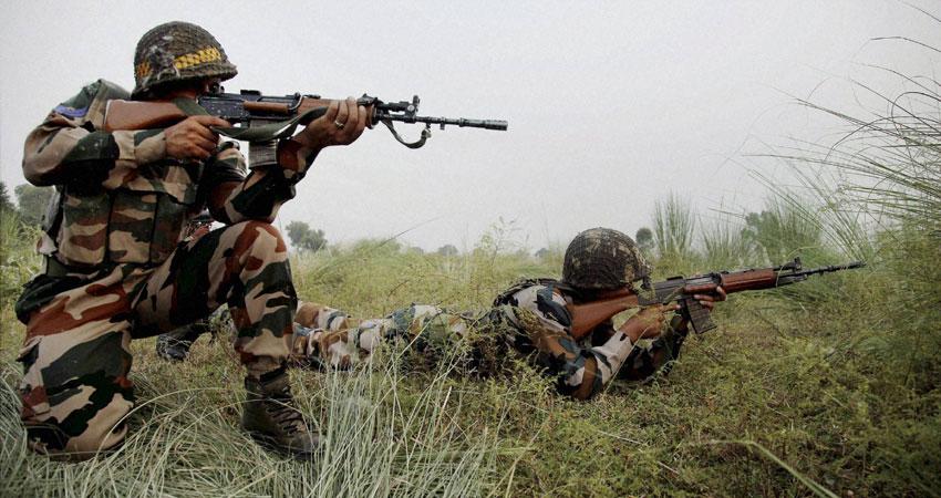 J&K: सेना व आतंकियों के बीच मुठभेड़ जारी, मेजर सहित 4 जवान शहीद