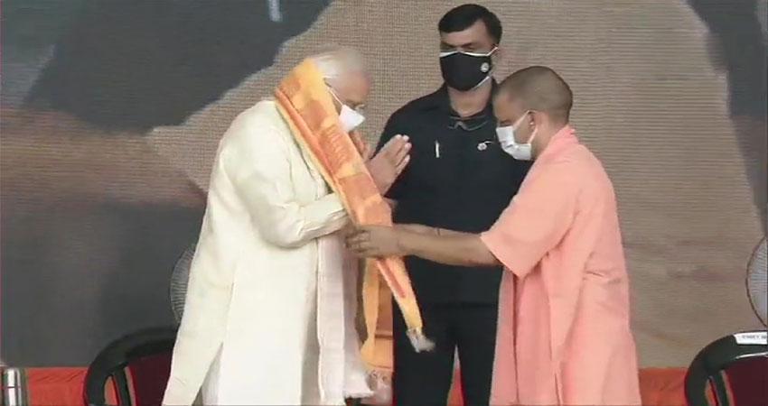 PMमोदी ने की CM योगी की तारीफ, कहा- कोरोना से UP की लड़ाई अभूतपूर्व