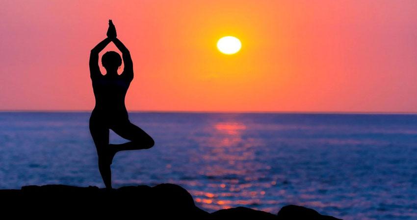 अगर चाहते हैं अच्छी नींद तो इन 3 योगासन को जरूर अपनाएं
