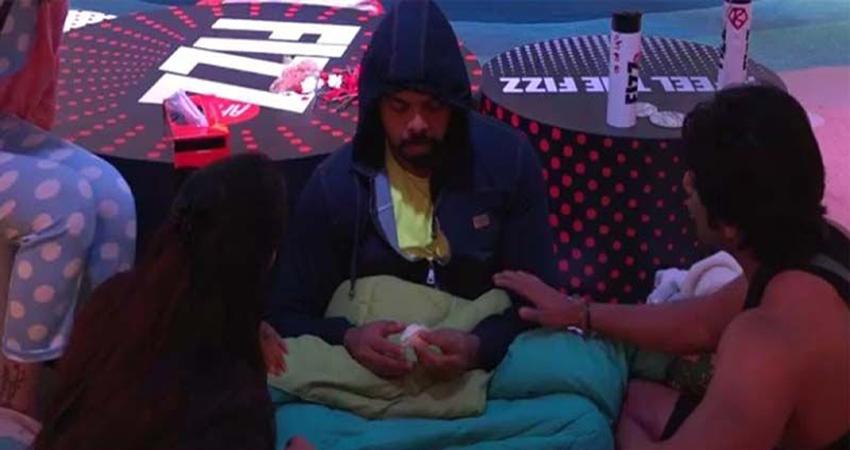 #BiggBoss12 Day 5: फूट-फूट कर रोए श्रीसंत, इन कंटेस्टेंट्सको मिली कालकोठरी की सजा