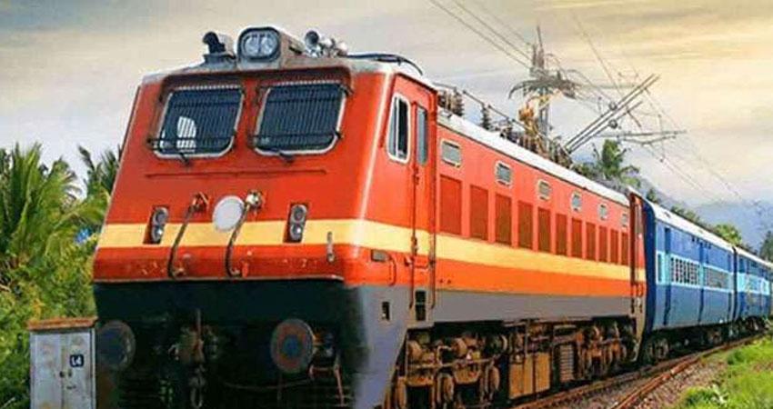 'परिवर्तन के सही मार्ग पर भारतीय रेलवे'
