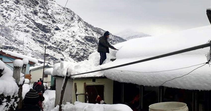 शीतलहर की चपेट में रुद्रप्रयाग जनपद, घरों में दुबके रहे लोग