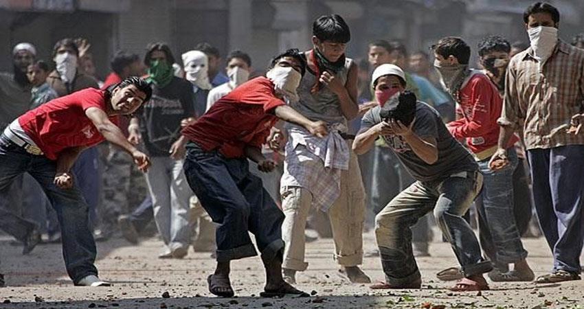 'कश्मीरी युवा पत्थरबाजी छोड़ें''काश! महबूबा ने यह सलाह पहले दी होती'