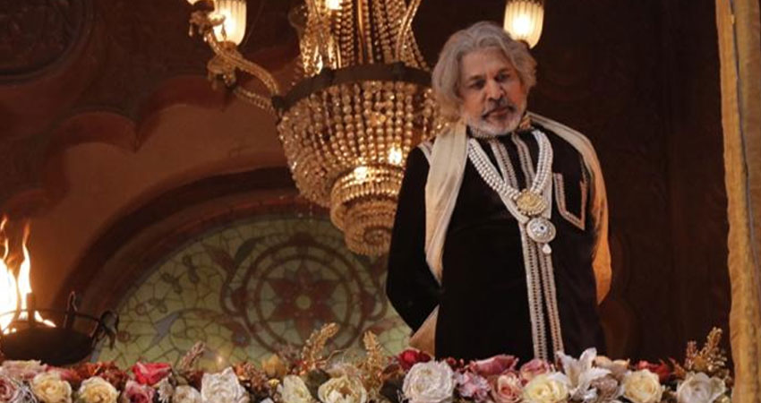 पौरशपुर' के निर्देशक शचींद्र वत्स ने कॉस्ट्यूम डिजाइनर स्वर्गीय लीना दारू का काम उन्ही को किया समर्प