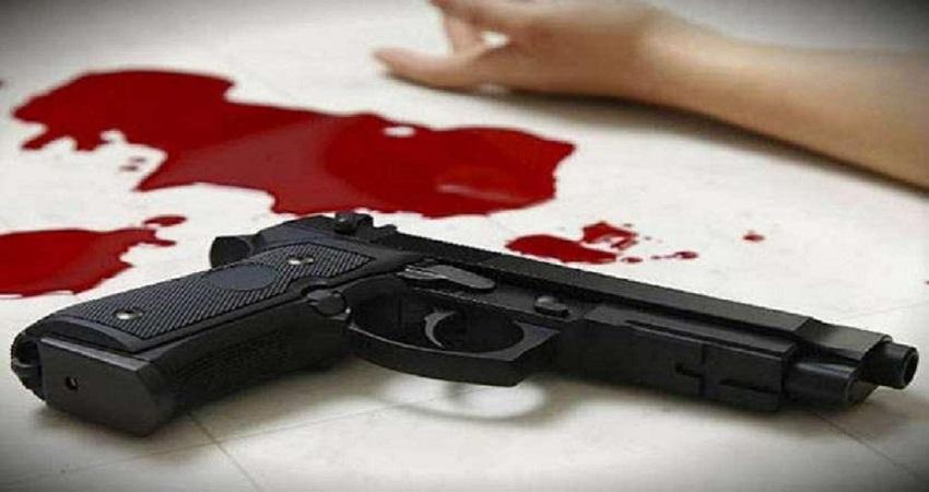 शराब पीने से रोकने पर बेटे ने ले ली मां की जान, आंख से सटाकर चलाई गोली