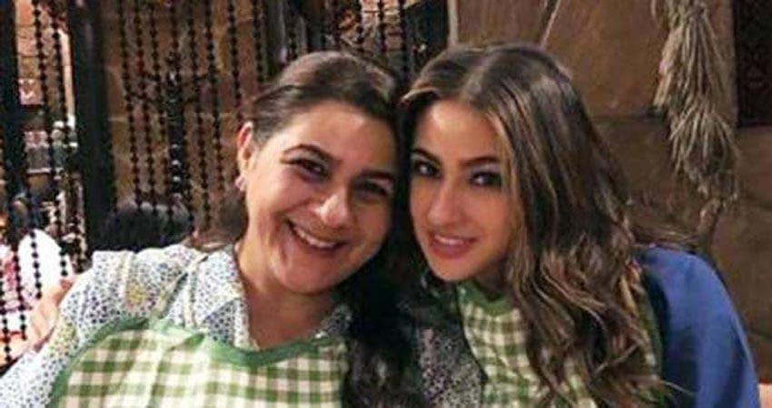 सारा अली खान ने शेयर की मां के साथ ऐसी फोटोज, किसी में दिख रहीं मोटी तो किसी में छोटी