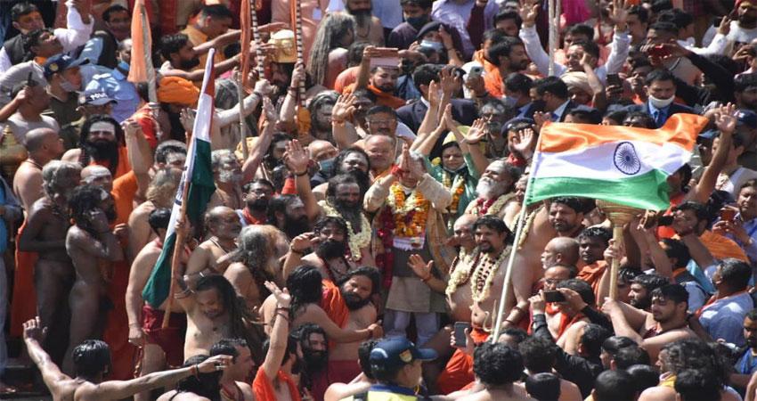 हरकी पैड़ी पहुंचे उत्तराखंड के नए CM, प्रदेशवासियों की सुख समृद्धि की कामना की