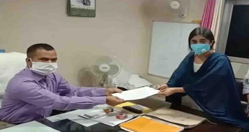 पूर्व विधायक कुलदीप सिंह सेंगर की बेटी ने अलका लांबा के खिलाफ दर्ज कराई FIR, किया था फर्जी ट्वीट