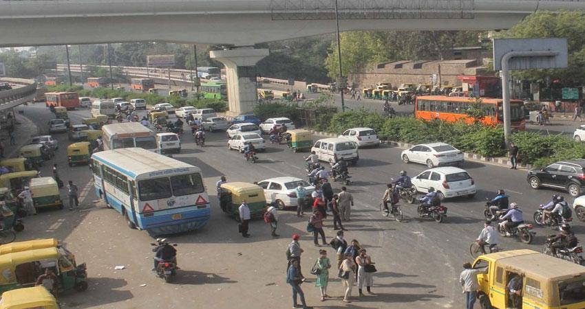 दिल्ली में नहीं दिखा भारत बंद- मेट्रो, सड़क परिवहन, बाजारों पर कोई असर नहीं