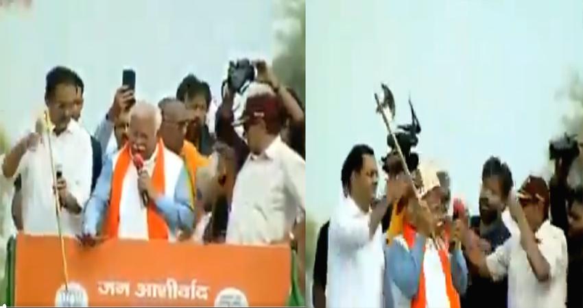 सीएम खट्टर ने भरी सभा में BJP नेता को दी गर्दन काटने की धमकी, VIDEO वायरल