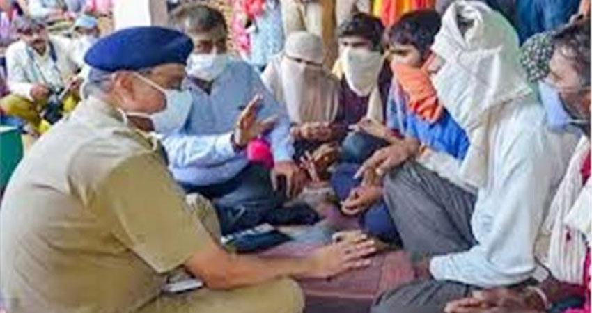 हाथरस मामला: SIT ने अंत्येष्टि में शामिल गांव के 40 लोगों को पूछताछ के लिए बुलाया